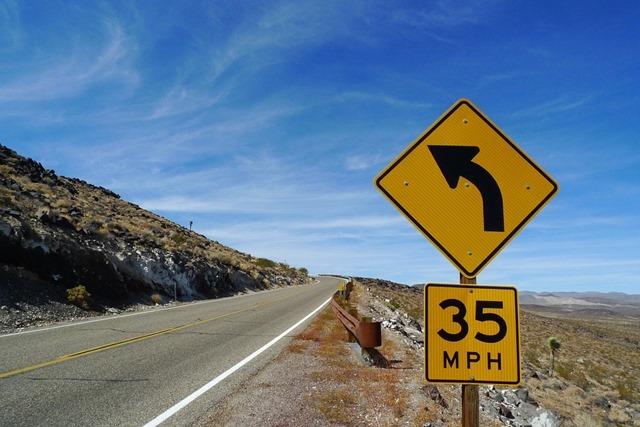 Safety-Asphalt-Drive-Speed-Limit-Transport-Road-2078386